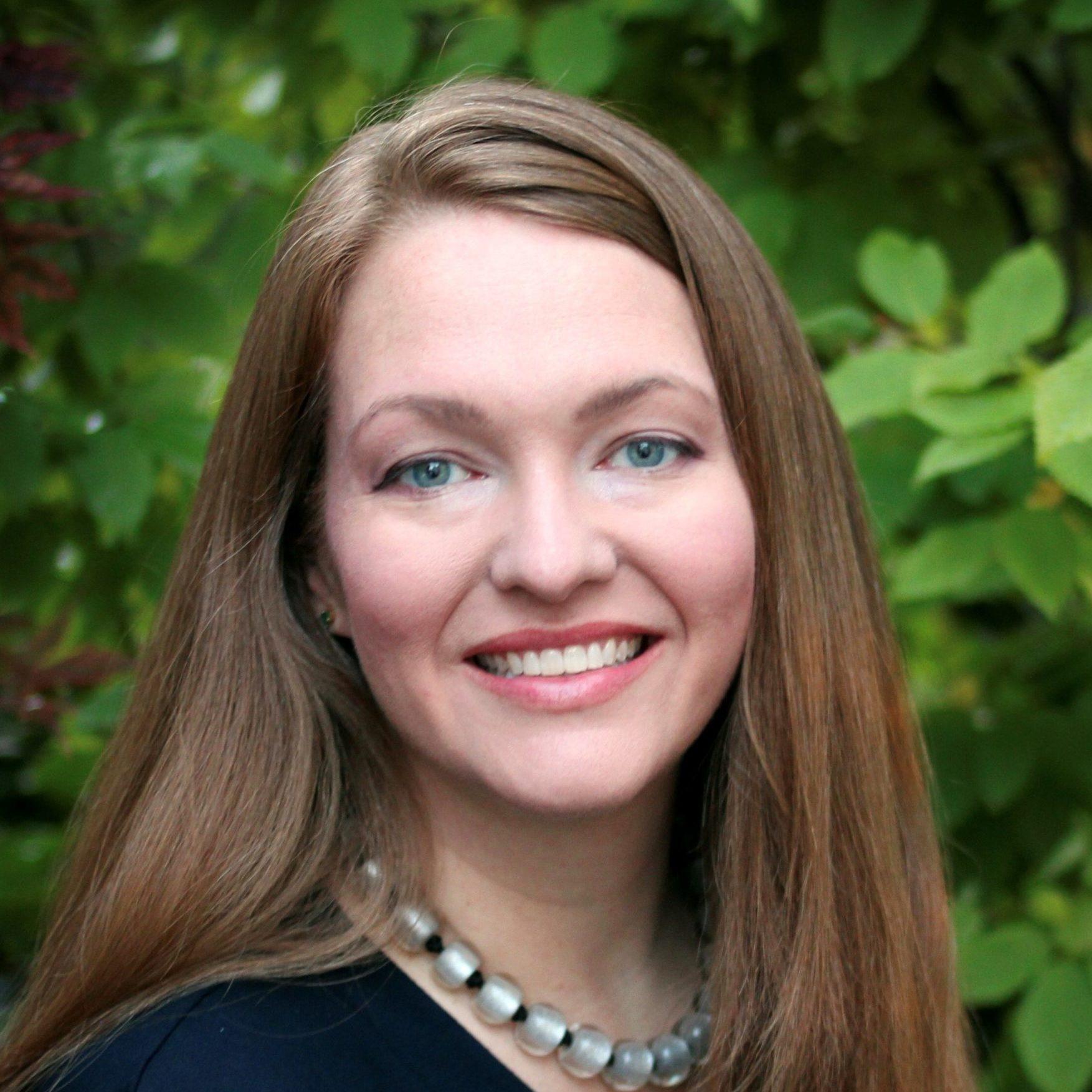 Dr. Julia Upton